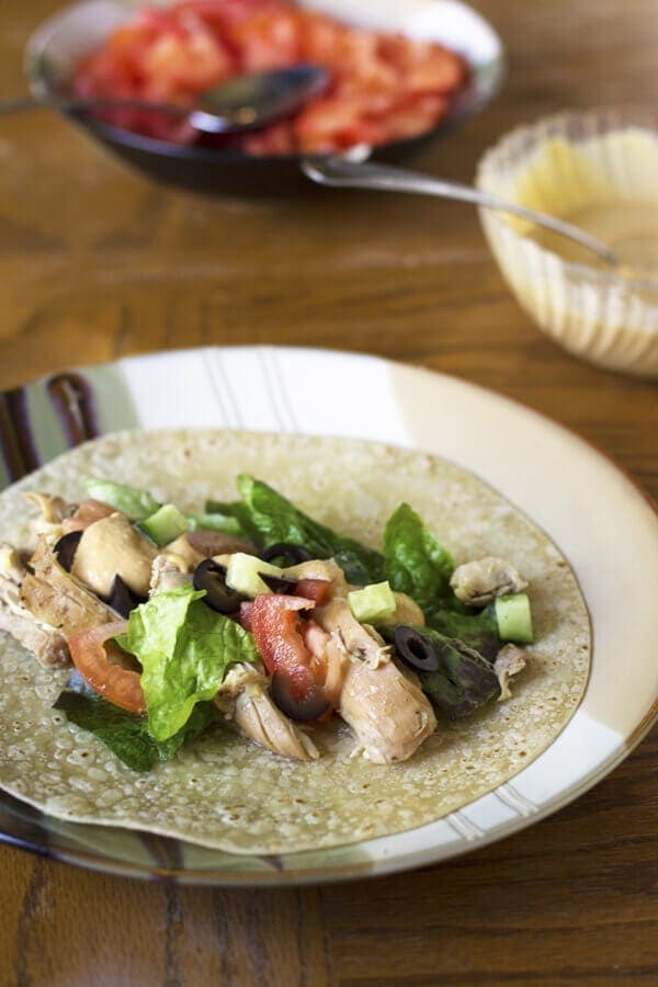 greek-chicken-wraps
