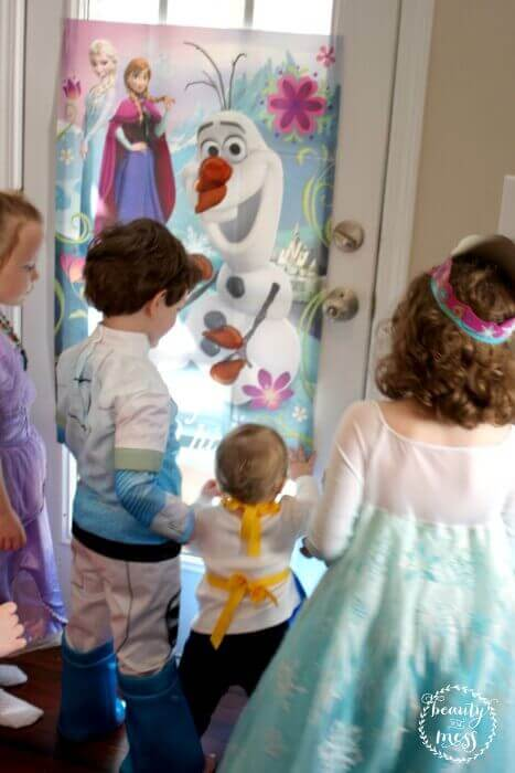 Pin the Nose on Olaf Disneyside-2