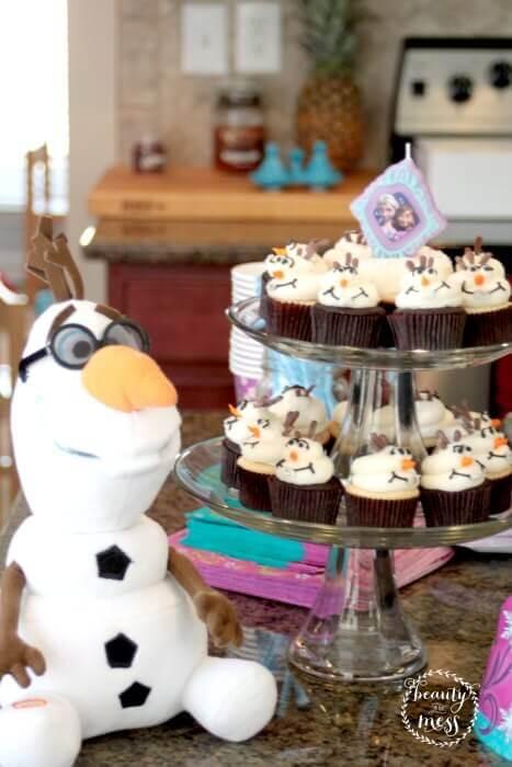 disneyside olaf cupcakes-2
