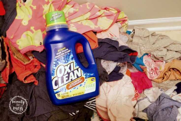 Laundry Pile OxyClean-2