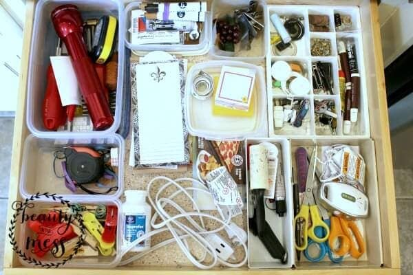 Moms Organized junk drawer - Beauty in the Mess