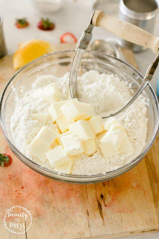 Put butter into flour bowl and set into fridge to cool down for 10 minutes (1)