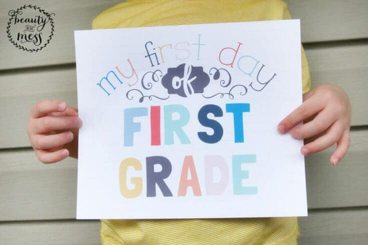 first day of school printable signs 7_900x600 (1)