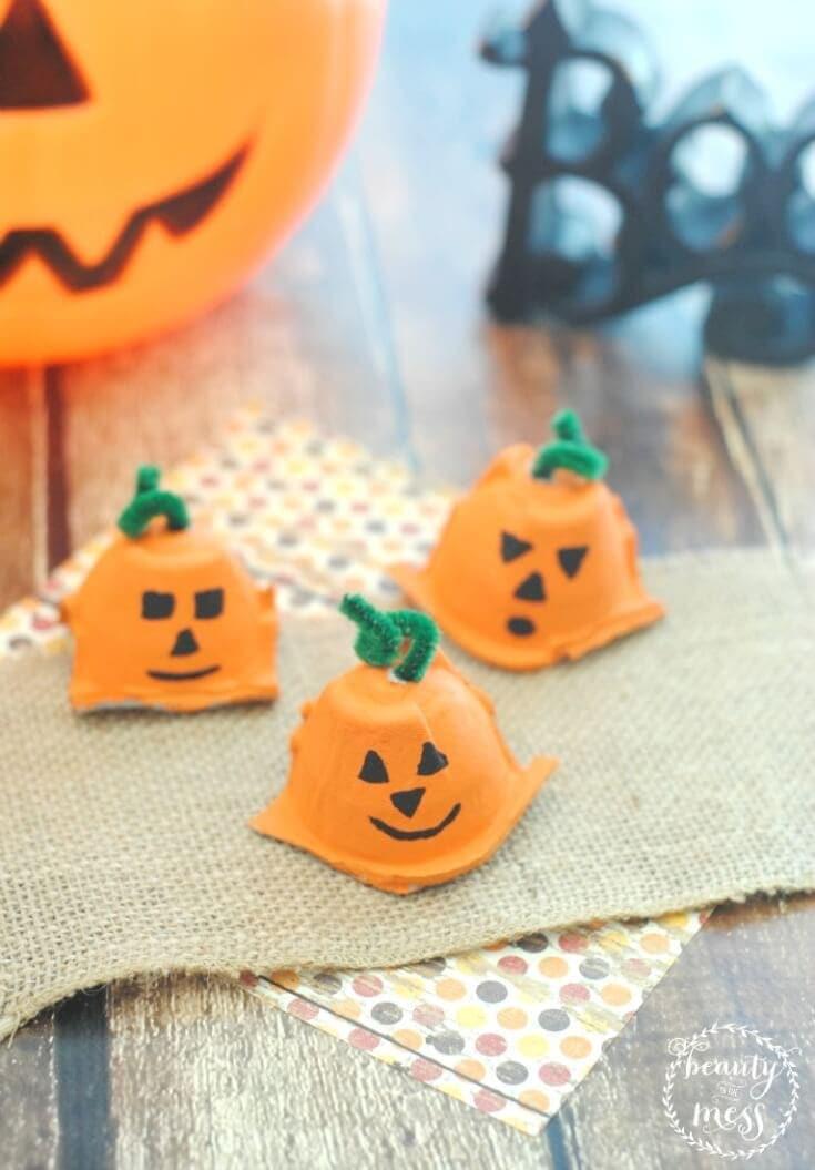 Adorable Egg Carton Pumpkins for Fall