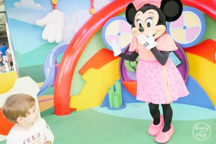 character-meet-and-greet-disney-jr-minnie-mouse