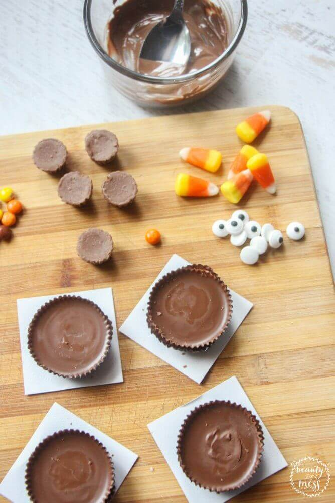 ingredients-for-candy-turkeys-with-reeces
