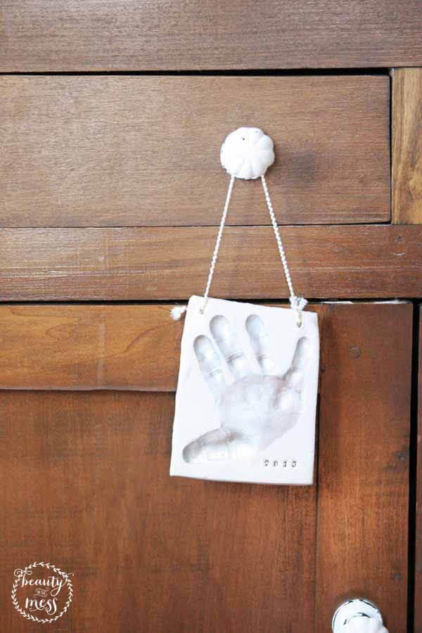 img-8-cozy-christmas-handprint-craftivity-designs-1