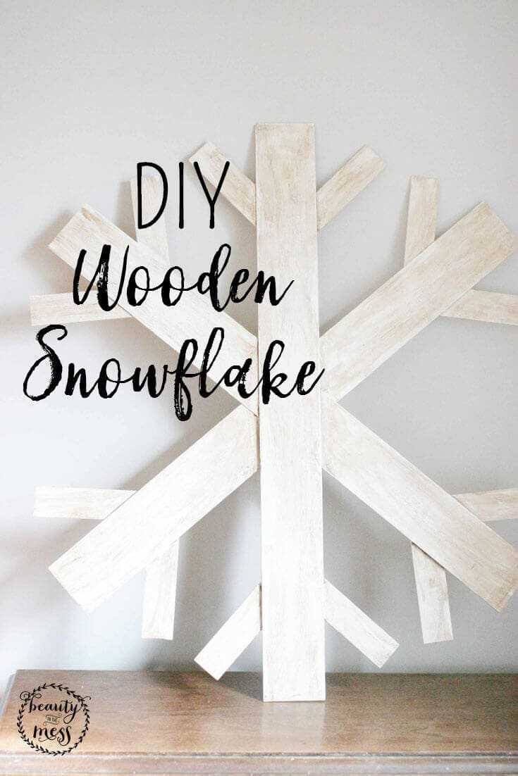 Do you love wall decor made from wood but are afraid to pull out the power tools? This DIY wooden snowflake doesn't even require a saw. #DIY #snowflakecraft #woodencrafts #woodensnowflake via @simplifyingfamily