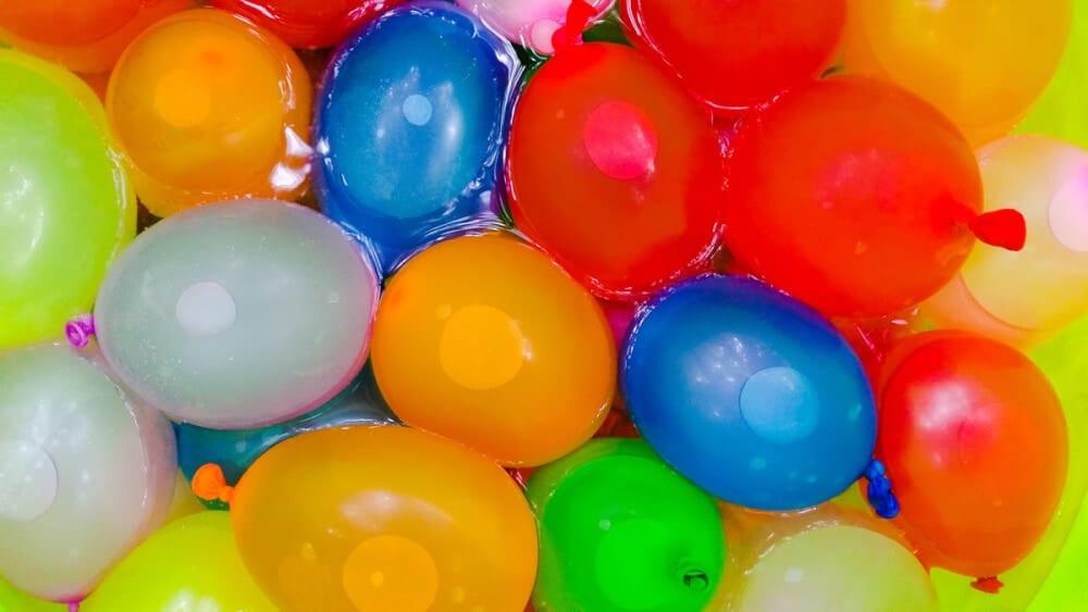 100 Summer Bucket List Ideas Have a Water balloon fight