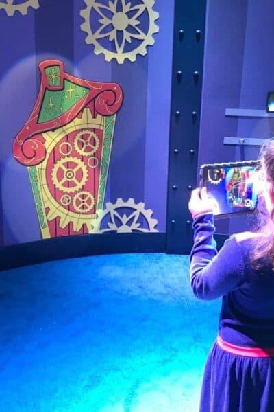 Elf HGTV Santa HQ