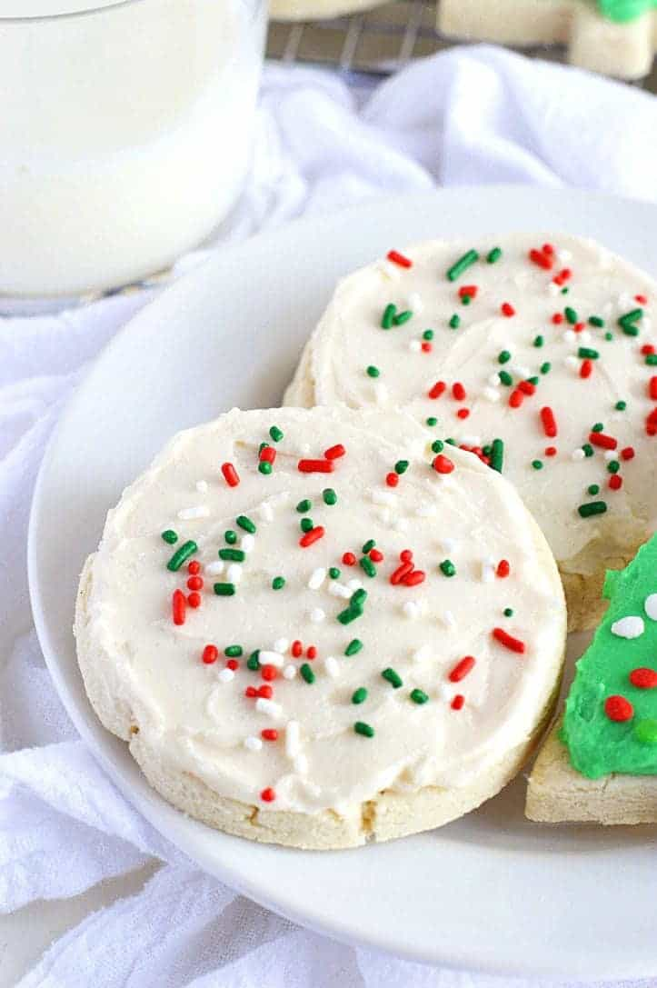 Gluten-Free Christmas Cookie Recipes Soft-Frosted-Sugar-Cookies