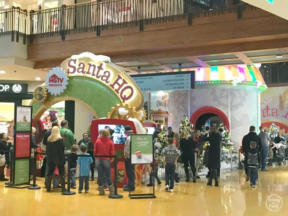 HGTV Santa HQ Flatirons Mall
