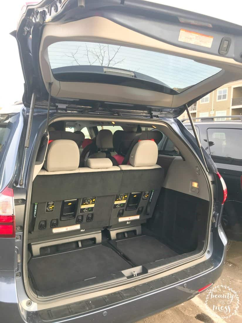 Open Trunk Space Toyota Sienna