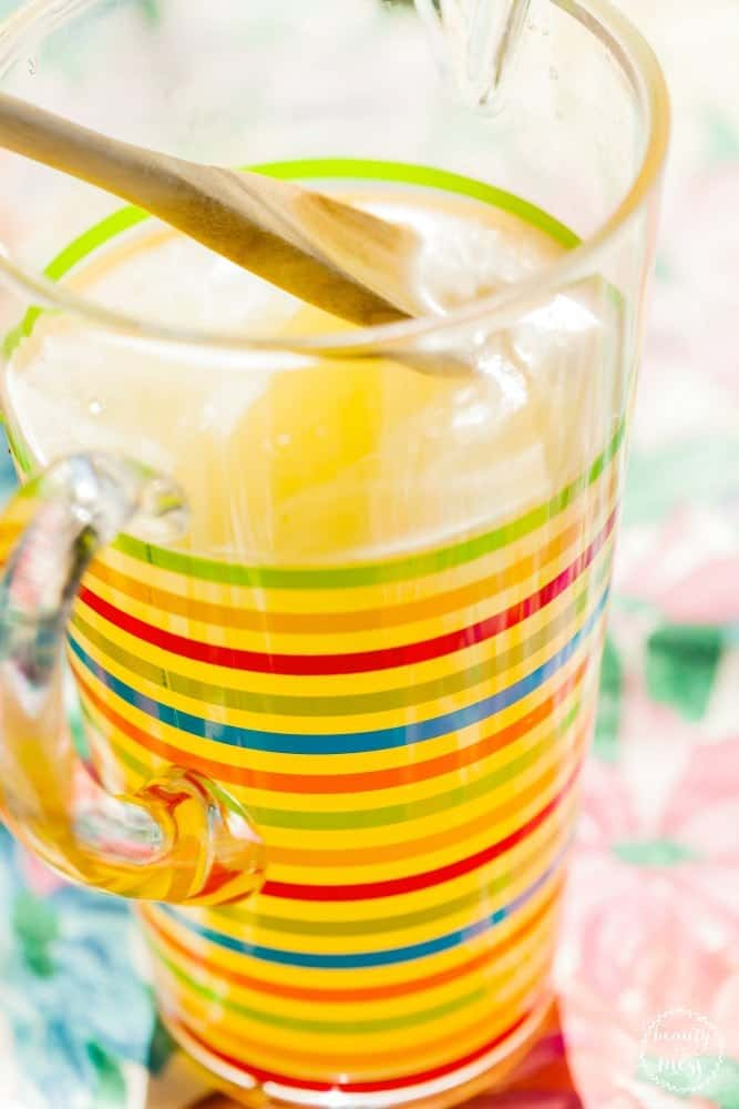 Family Activities for Spring lemonade stand