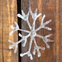 DIY Snowflakes Craft Using Glittered Glue