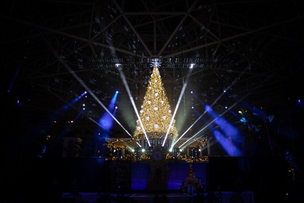 Celebrate a Festive Christmas at Gaylord Palms Resort