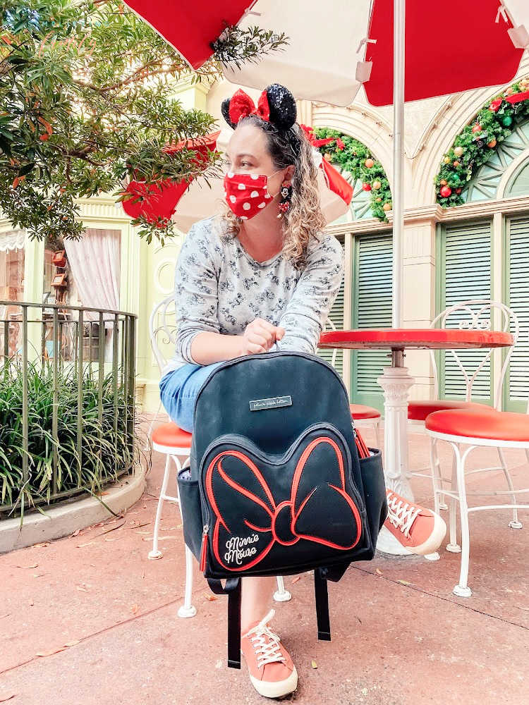 Pack the perfect disney parks bag for a magical time